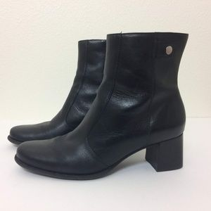 "Naturalizer Black Leather 2"" Heel Zip Ankle Boots"